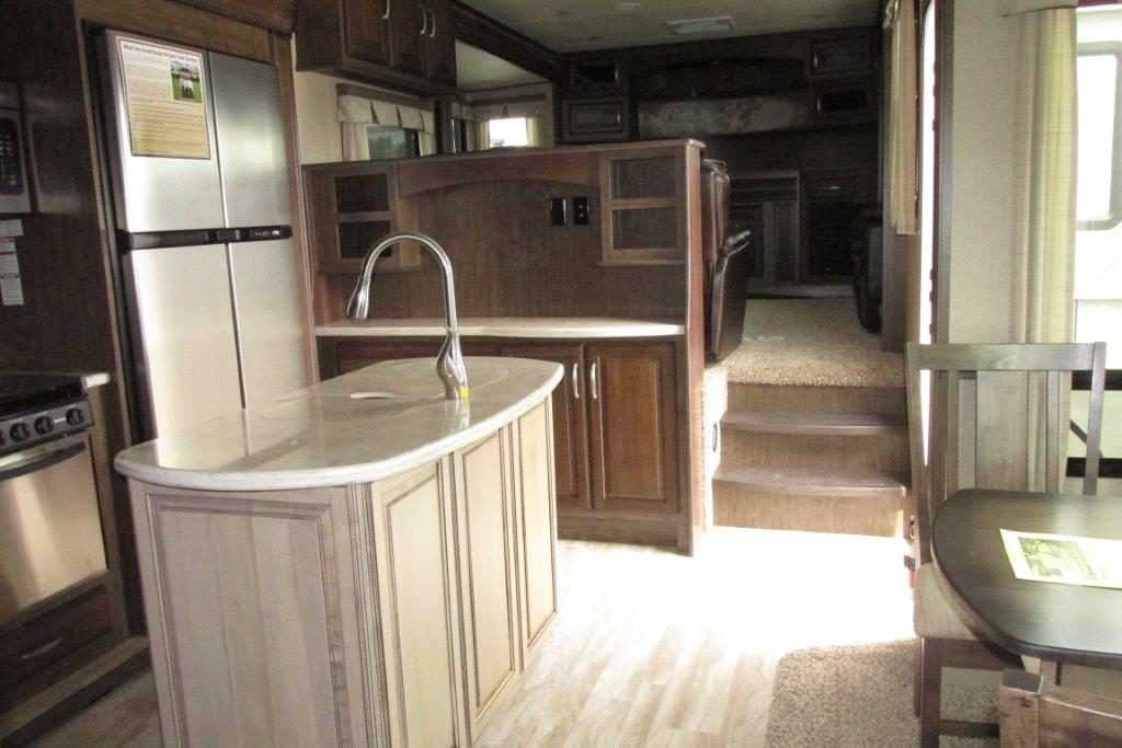 Arbutus RV Grand Design pics7861